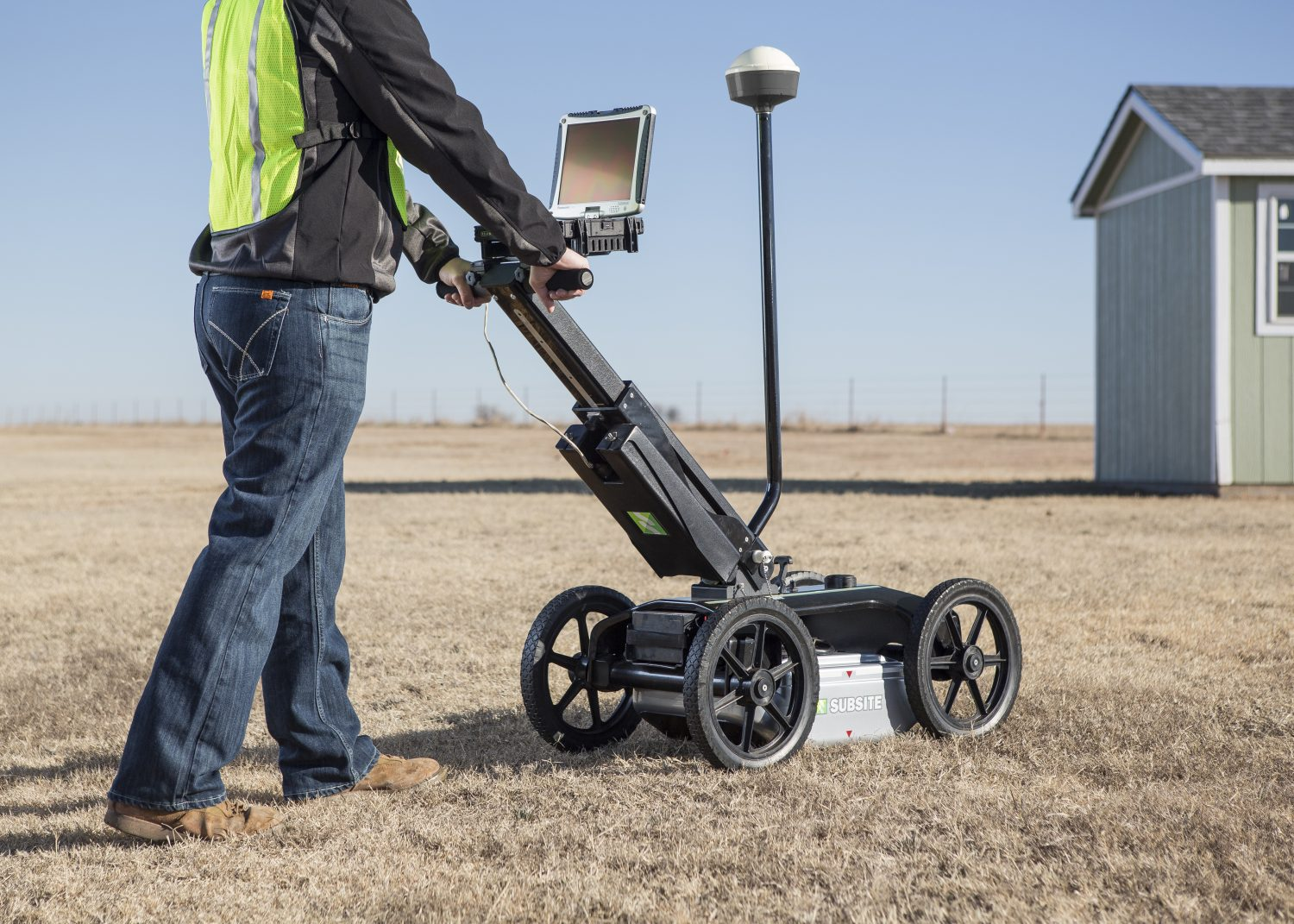Man using Subsite 2550GPR